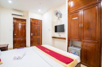 Bán khách sạn Hồ Quý Ly