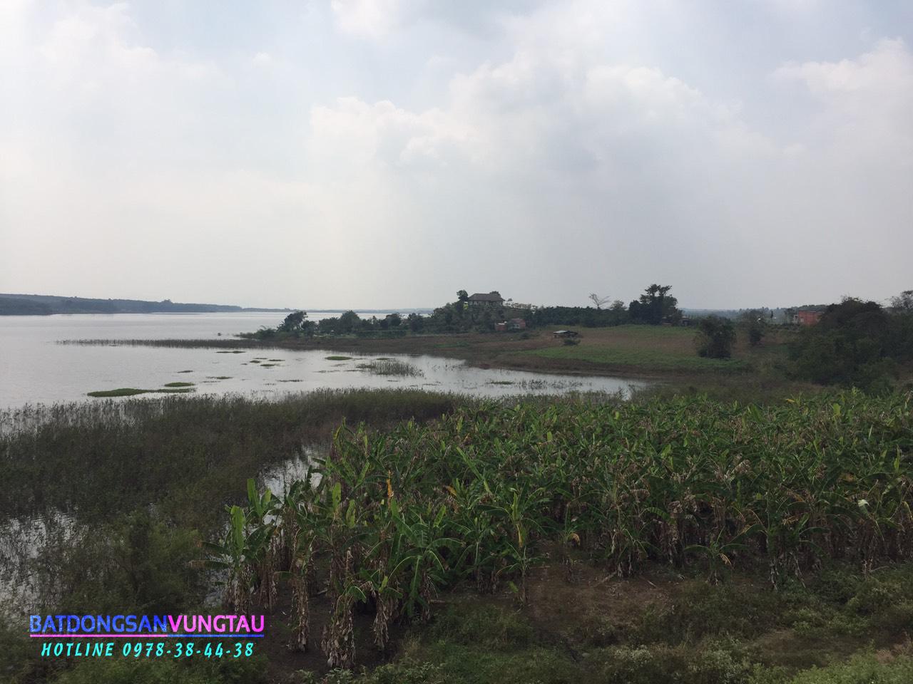 Hồ Đá Bàng