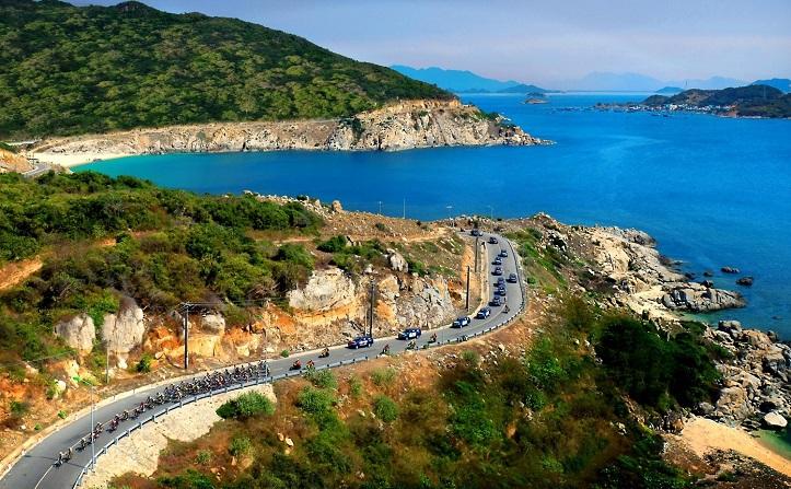 Cung đường ven biển Bình Châu